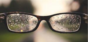 Cách làm mắt kính không bị mờ