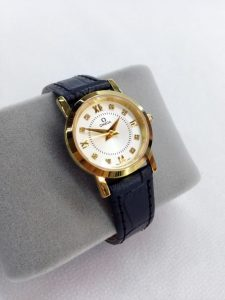 Giá đồng hồ chính hãng thương hiệu Omega, Hublot hiện nay bao nhiêu?