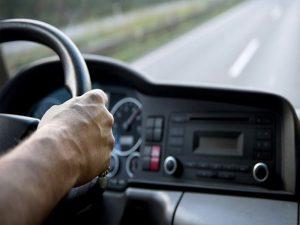 15 kinh nghiệm lái xe số sàn trong thành phố cho tài mới